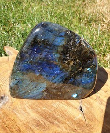Labradorit sten og krystal