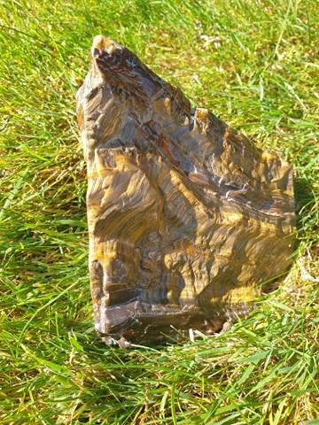 Tigerøje sten og krystal