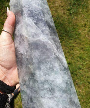grøn flourit krystal sten og krystal tårn